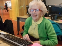 Seniors' Drop-in Computer Training